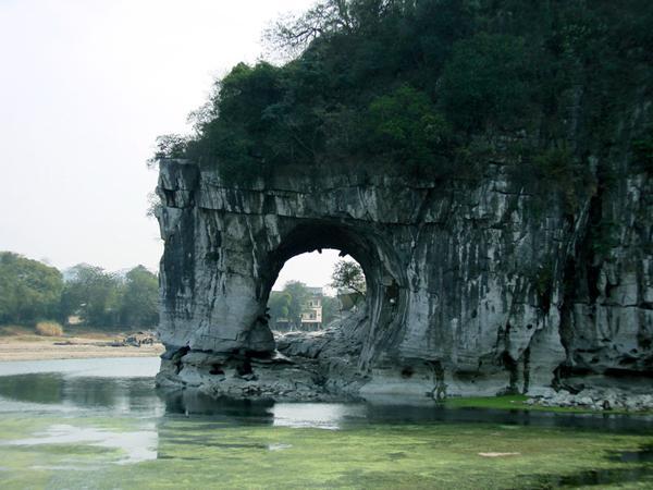 桂林山水甲天下,岂能空气差?